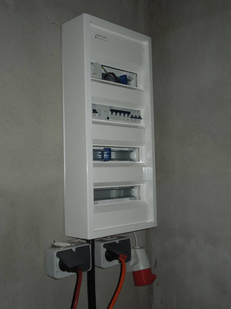 beginn der elektroinstallation efh leipzig bauinfob ro. Black Bedroom Furniture Sets. Home Design Ideas